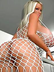 Fat titties 3d
